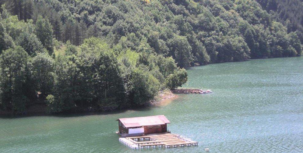 Забранява се риболова на яз. от 500 до 1500м. надморска височина